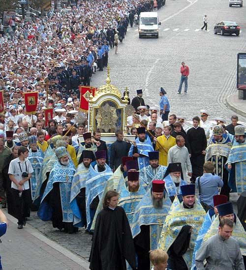 До Києва прибула Чудотворна Почаївська ікона Божої Матері