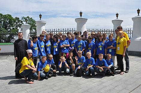Вихованці дитячих будинків Київської області відвідали Києво-Печерську Лавру