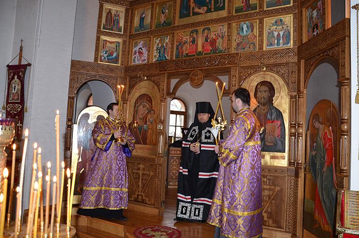 Вікарій Київської Митрополії єпископ Макарівський Іларій служив у Свято-Покровському храмі міста Боярка і просив молитися за мир в Україні